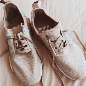 Mauve Adidas NMD's